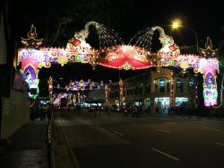 Singapore_Divali_Diwali_decorations_Little_India-_Serangoon_Road_2009