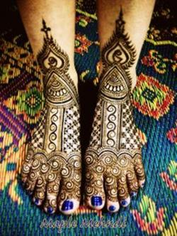 Bridal-Mehndi-Designs-2013-For-Pakistani-Brides-018