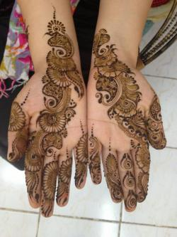 Bridal-Mehndi-Designs-For-Hands-003