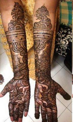 Highly-Animated-Peacock-Mehndi-Design-for-Brides