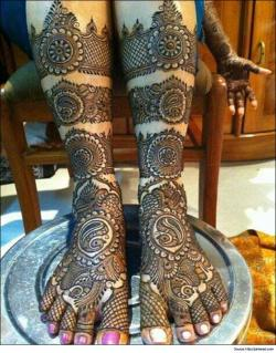 heavy-bridal-mehandi-designs