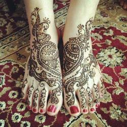 wedding-mehndi-designs-for-legs